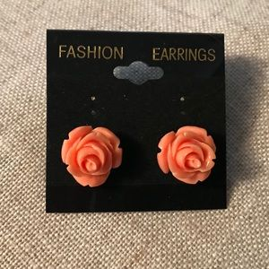 Rose Resin Earrings in Peach